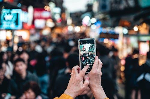 人群, 宏觀, 手, 拍照 的 免費圖庫相片