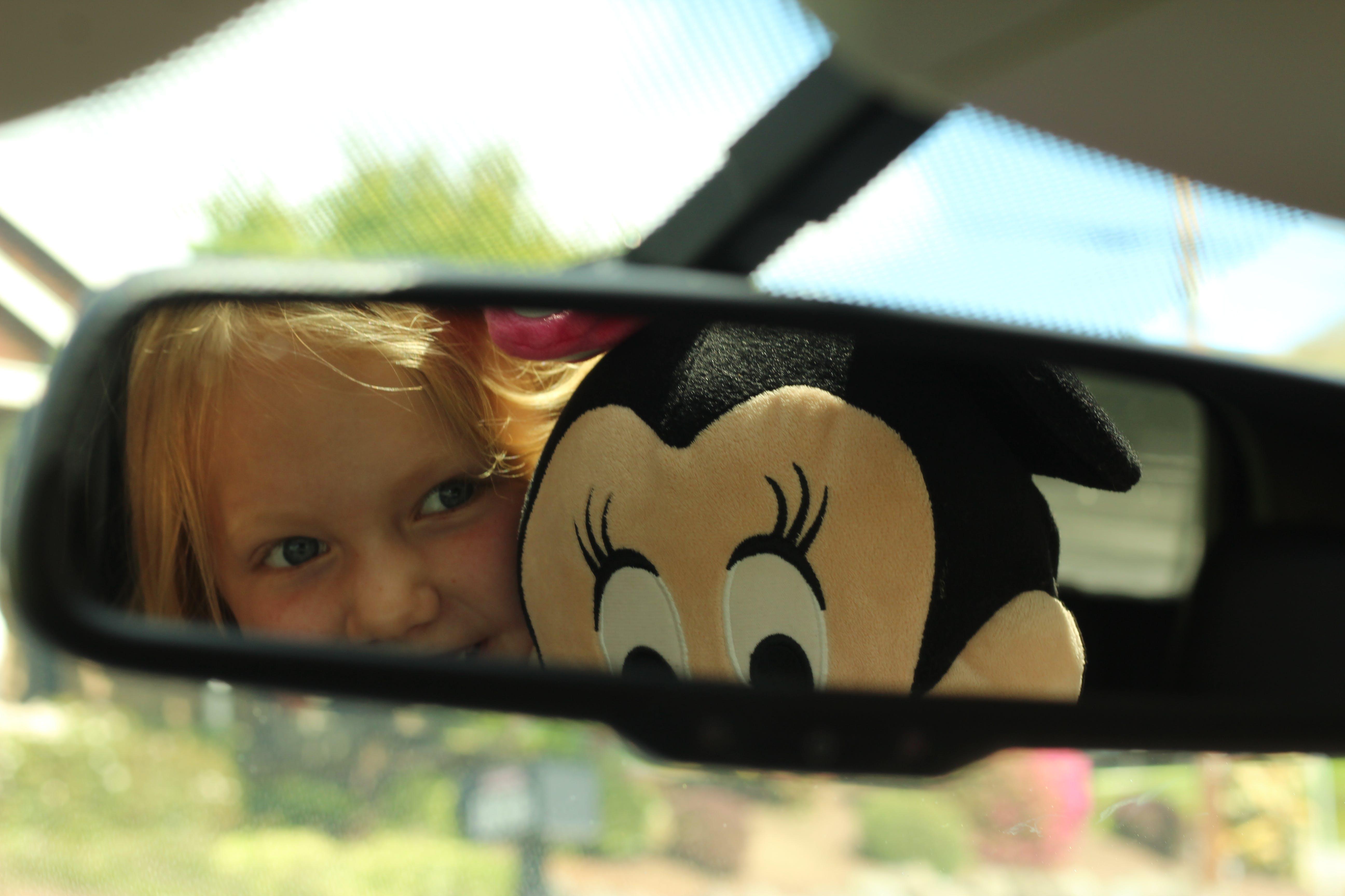 car, kid, mimmie mouse