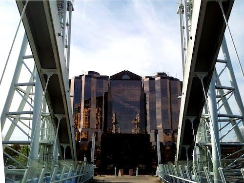Foto profissional grátis de aço, arquitetura, construção, espaço