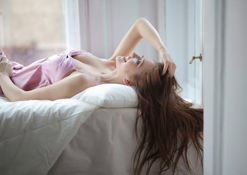 Foto profissional grátis de aconchegante, aconchego, cama, confortável