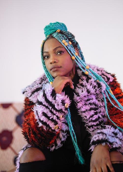 afrikalı-amerikalı kadın, güzel, Kadın, kişi içeren Ücretsiz stok fotoğraf