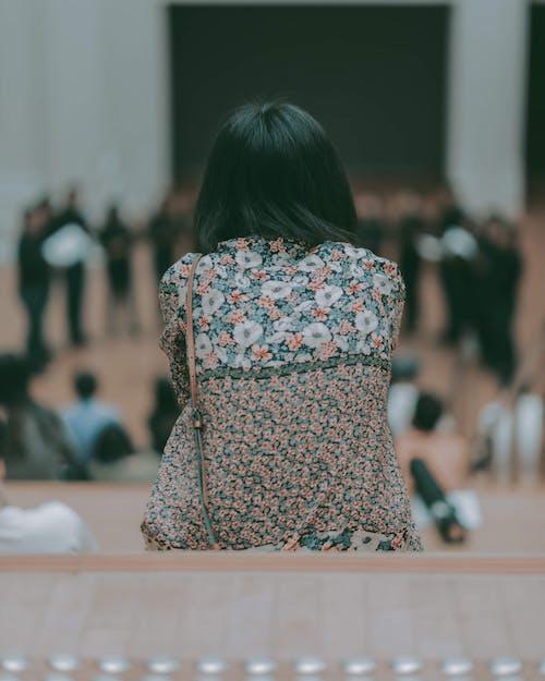 Kostnadsfri bild av kvinna, mode, porträtt, suddig backgound