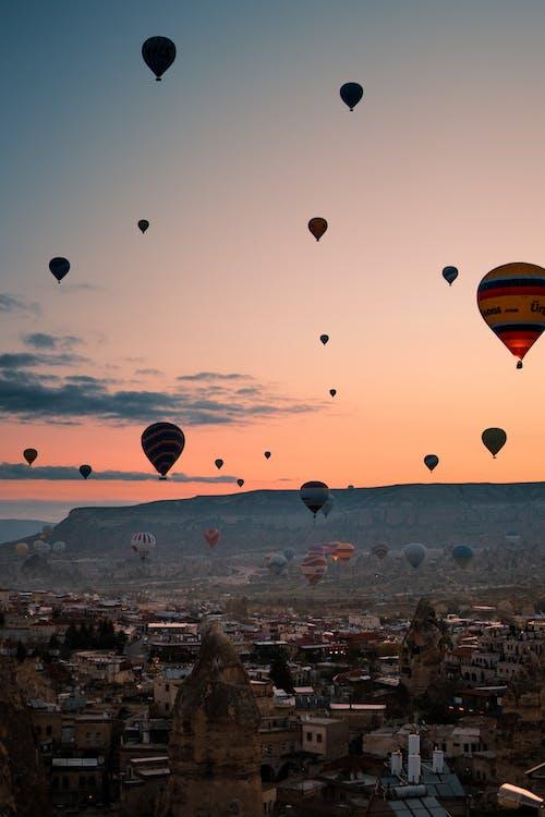 Darmowe zdjęcie z galerii z architektura, balony na gorące powietrze, festiwal, hel