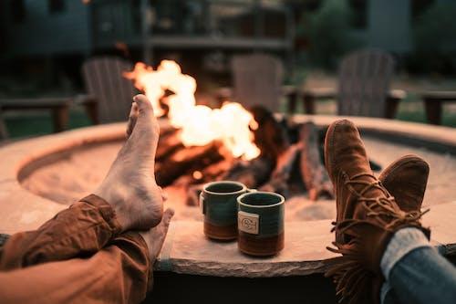 Kostenloses Stock Foto zu campen, camping, feuer, flamme