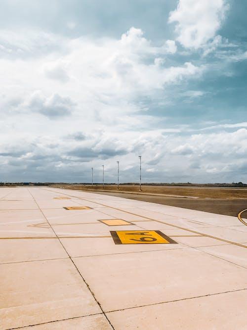 Photos gratuites de aéroport, aviation, moulu