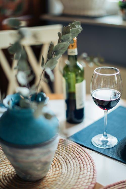 Ilmainen kuvapankkikuva tunnisteilla alkoholi, asetelma, neste, punaviini