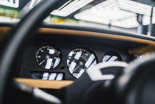 Kostenloses Stock Foto zu armaturenbrett, auto, automobil, dashboard