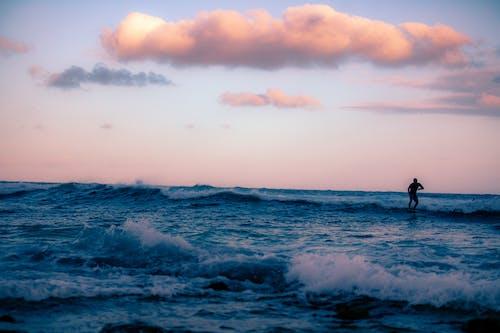 Ilmainen kuvapankkikuva tunnisteilla aallot, aamu, aamunkoitto, hämärä