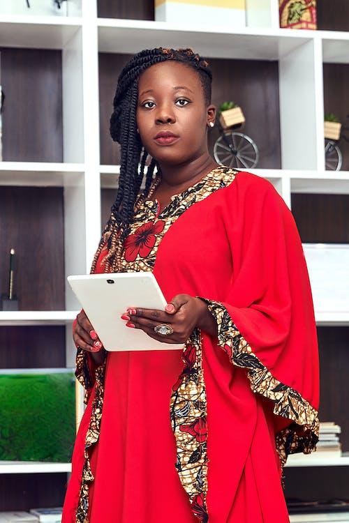 Gratis stockfoto met aantrekkelijk mooi, Afro-Amerikaanse vrouw, entrepreneur, gekleurde vrouw