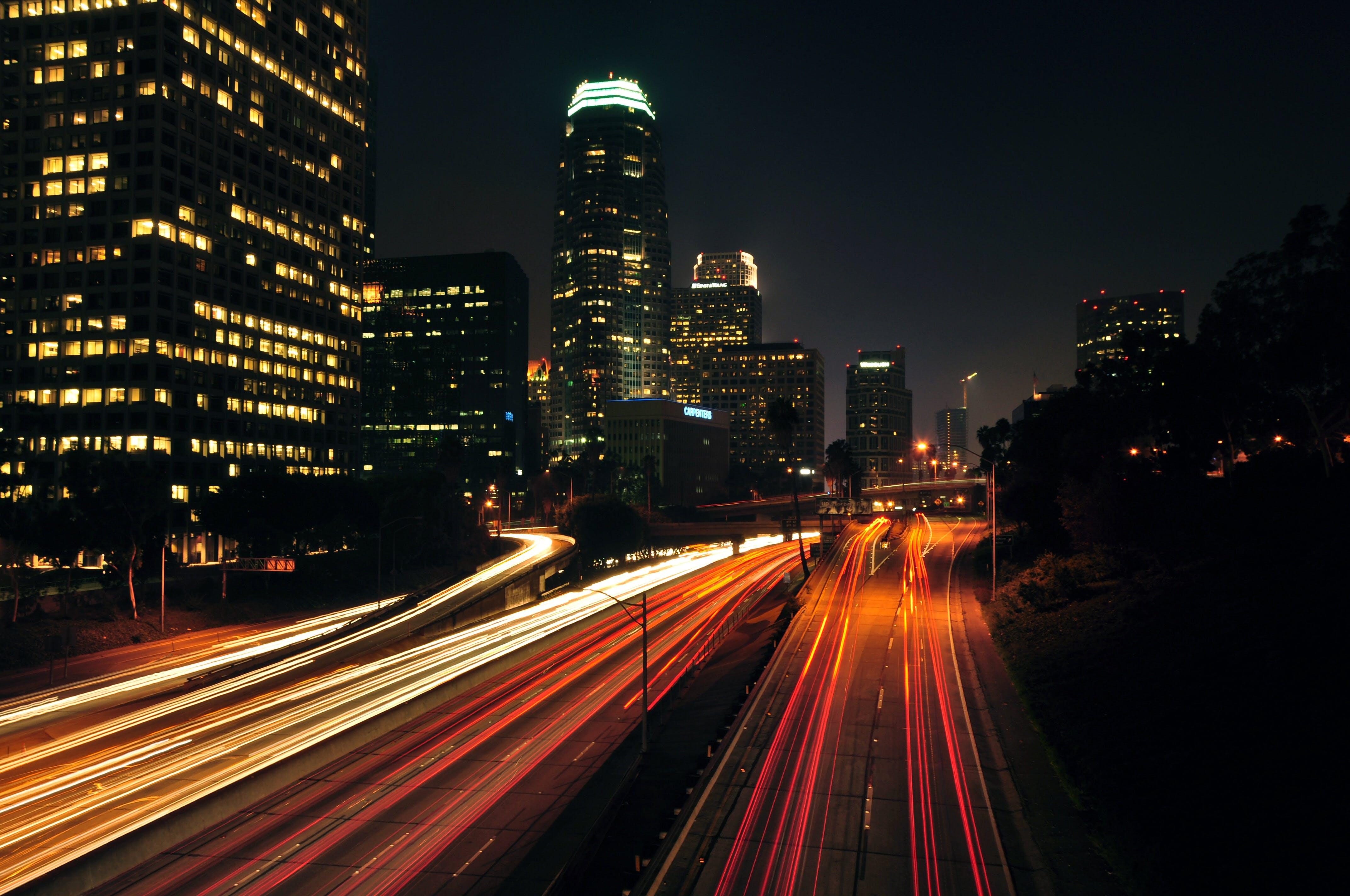 Kostenloses Stock Foto zu stadt, autos, straße, verkehr