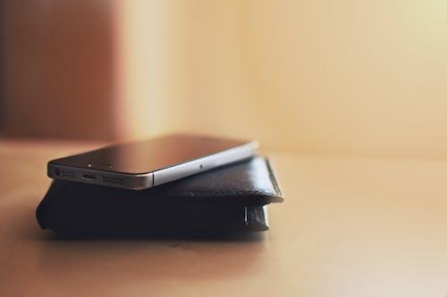 Δωρεάν στοκ φωτογραφιών με iphone, iPhone 5S, γεμάτος, διάθεση