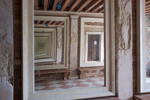 Foto profissional grátis de arte, construção, criativo, espelho