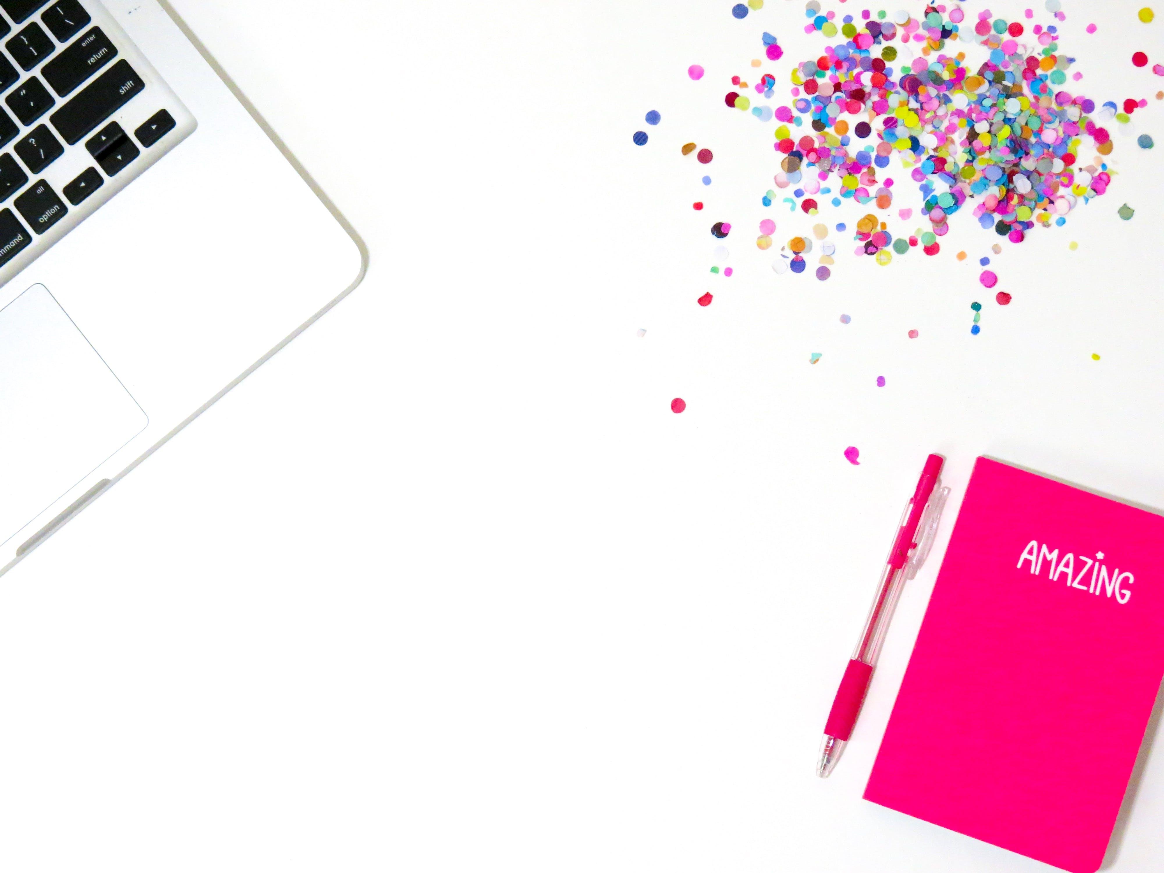Kostenloses Stock Foto zu kunst, laptop, tastatur, bunt