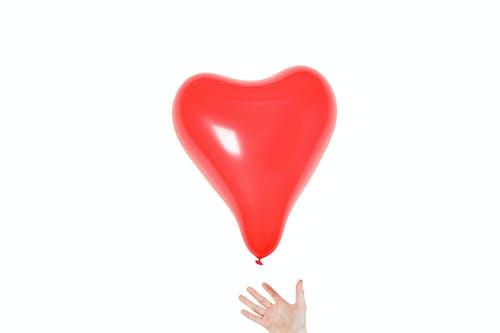 Kostnadsfri bild av ballong, form, hand, hjärta