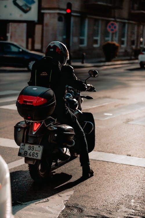 Gratis stockfoto met biker, motor, paardrijden, straat