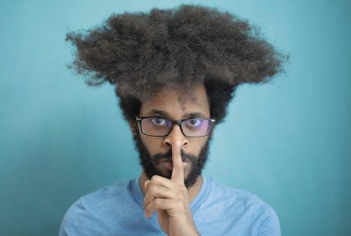 Foto profissional grátis de barba, cabelo afro, cara negro, casual
