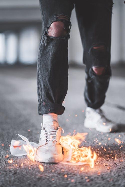 alaz, alev, ateş, ayakkabı içeren Ücretsiz stok fotoğraf