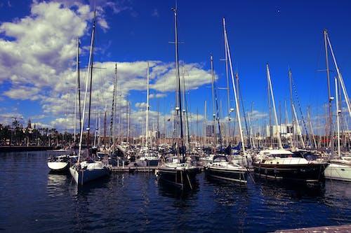 Photos gratuites de barcelone, bateau, bateau de croisière, ciel bleu