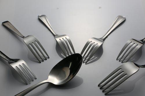 Foto d'estoc gratuïta de cullera i forquilla