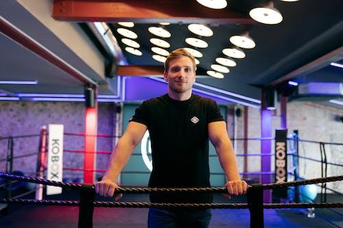 Бесплатное стоковое фото с боксер, в помещении, инструктор, легкий