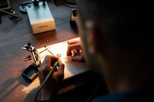 Foto profissional grátis de eletrônicos, Engenharia, engenheiro, fatia