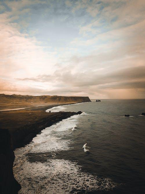 Fotobanka sbezplatnými fotkami na tému dron, Island, krajina pri mori, more