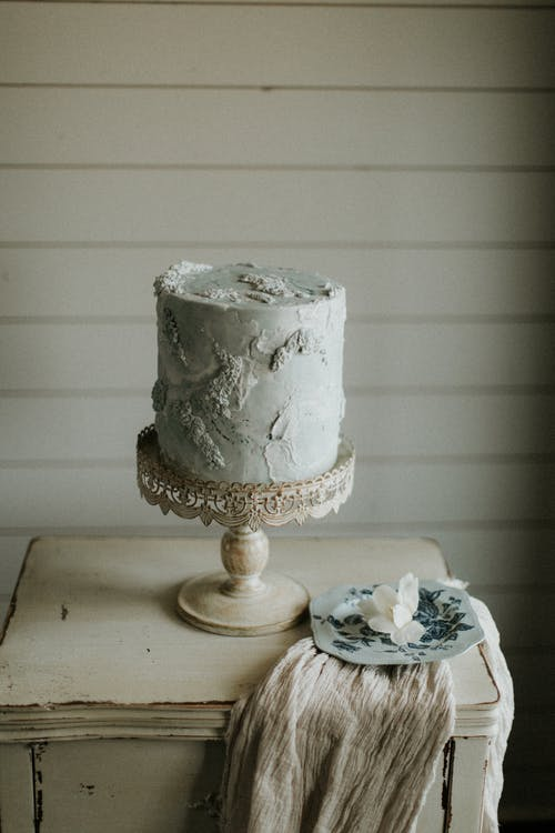 Kuchen Auf Einem Kuchenständer
