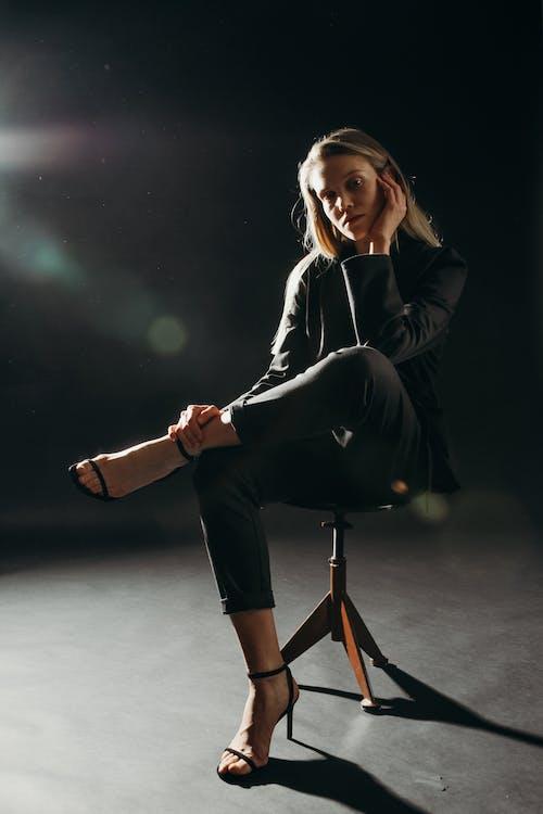 Kostenloses Stock Foto zu attraktiv, blazer, blond, fashion