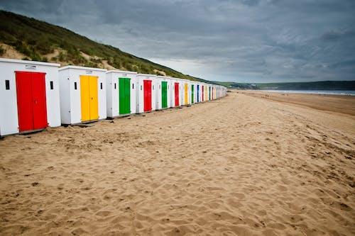 Бесплатное стоковое фото с пляж, пляжные хижины, пляжный