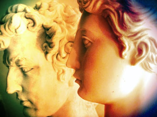 Foto profissional grátis de branco, caras, ecológico, estátua