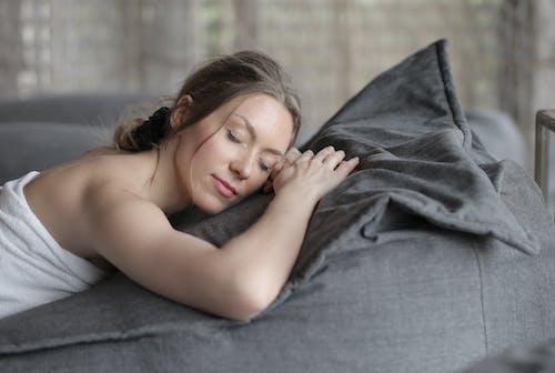 Immagine gratuita di addormentato, camera, carino