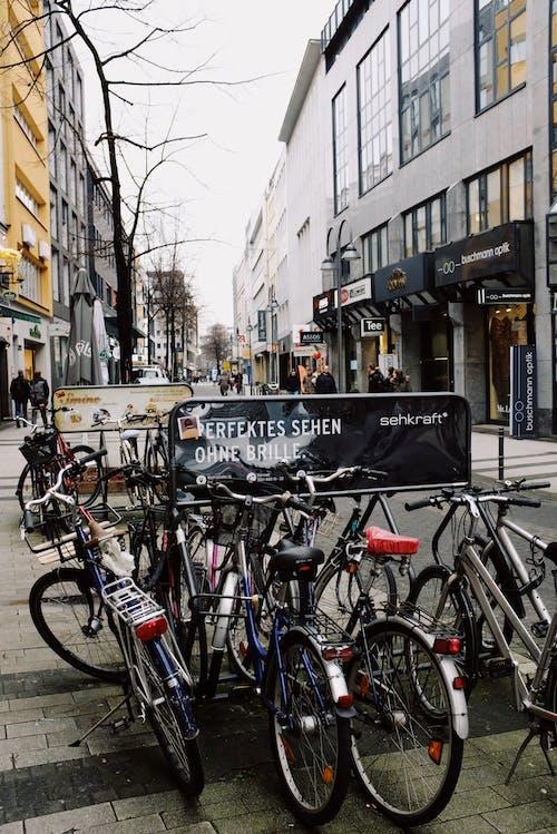 Ingyenes stockfotó biciklik, kerékpárok, közlekedési rendszer, leparkolt témában