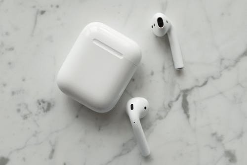 Δωρεάν στοκ φωτογραφιών με airpods, ακουστικά, ασύρματος