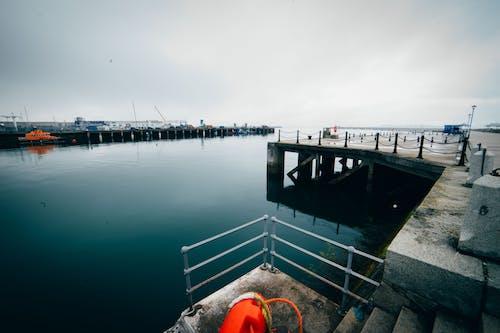 deniz, dun laoghaire, liman içeren Ücretsiz stok fotoğraf