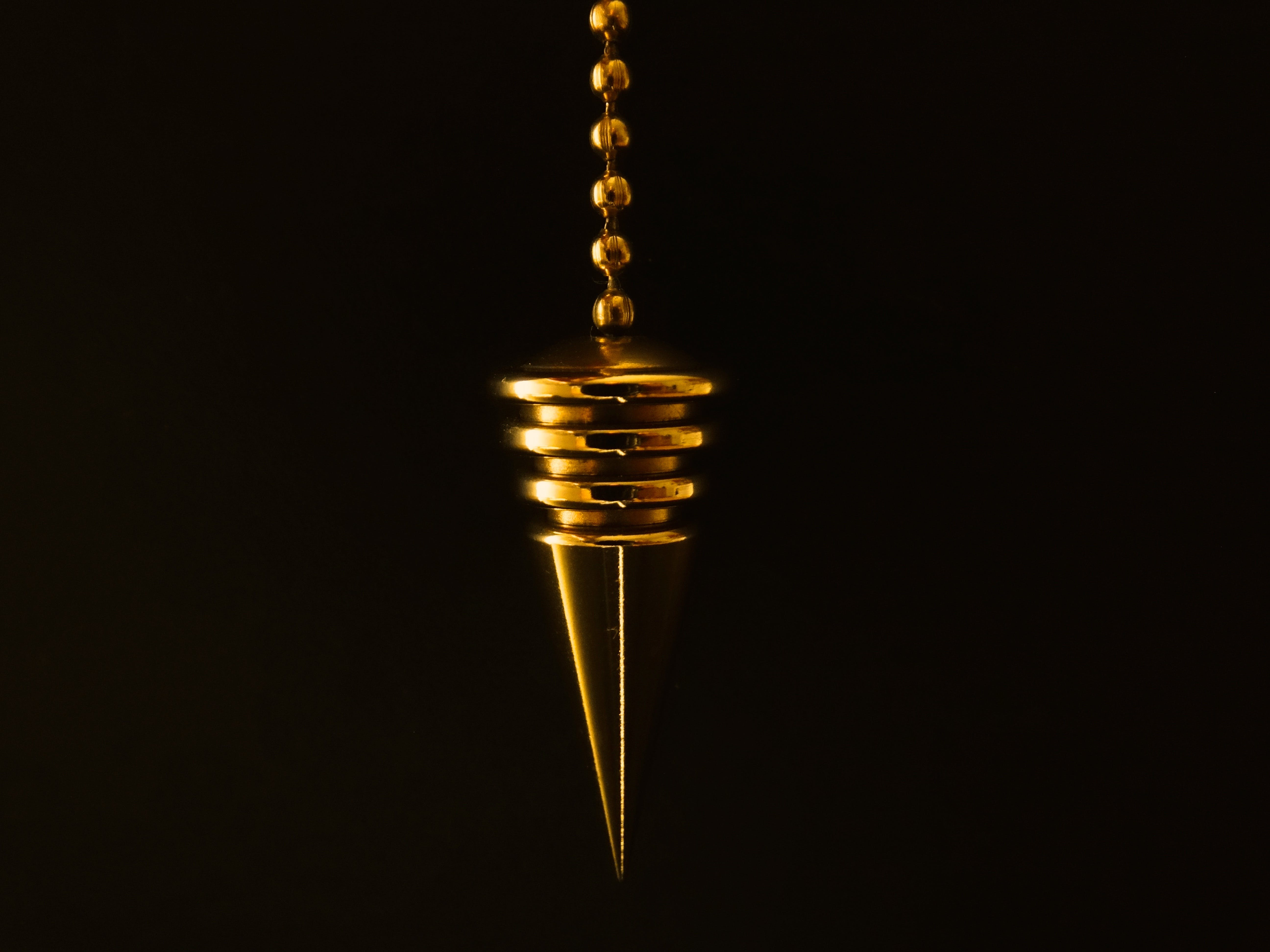 Hanging Gold-colored Pendant With Necklace