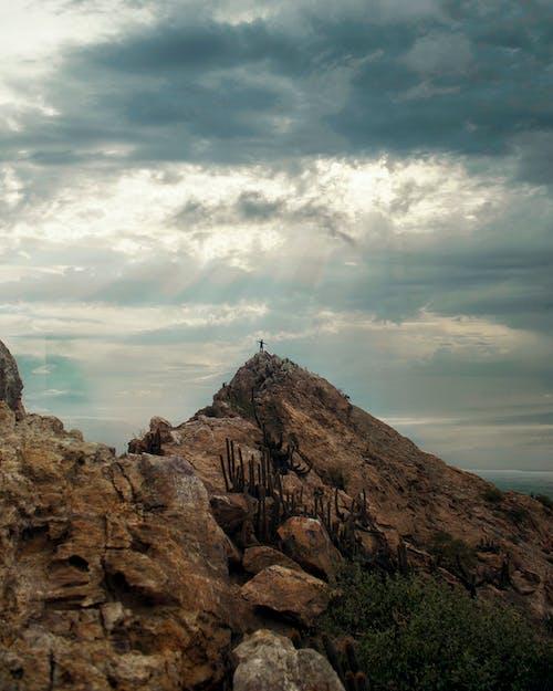 Ilmainen kuvapankkikuva tunnisteilla aavikko, autiomaa, kalliovuori, kivet
