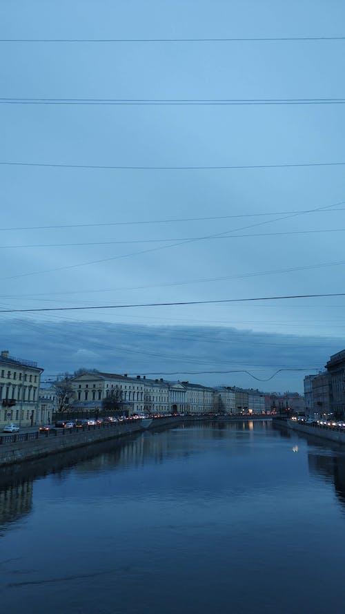 가벼운, 강, 건물, 건설의 무료 스톡 사진