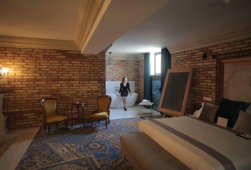 Gratis arkivbilde med badekar, hotell, innendørs, interiørdesign