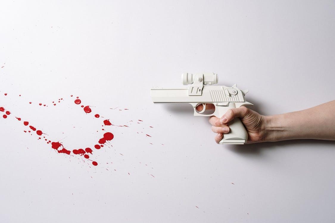 Безкоштовне стокове фото на тему «автоматична зброя, білий, війна»
