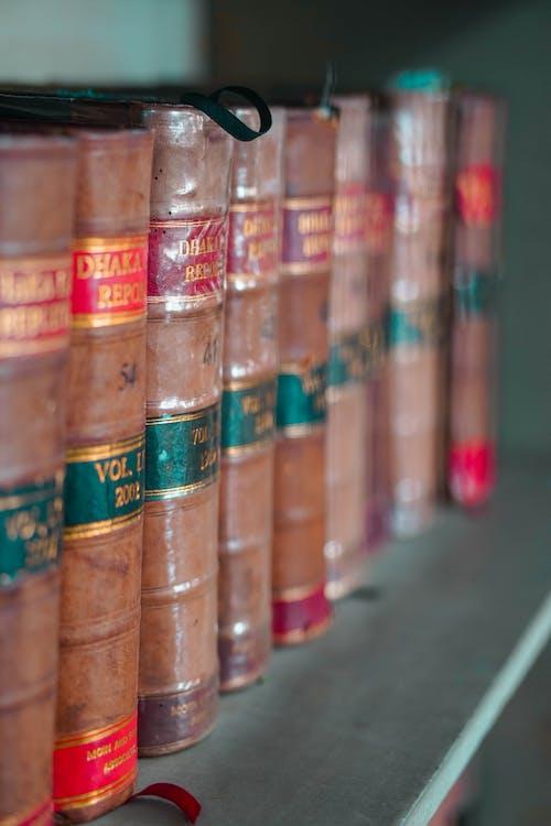 Fotos de stock gratuitas de abundancia, apilado, biblioteca