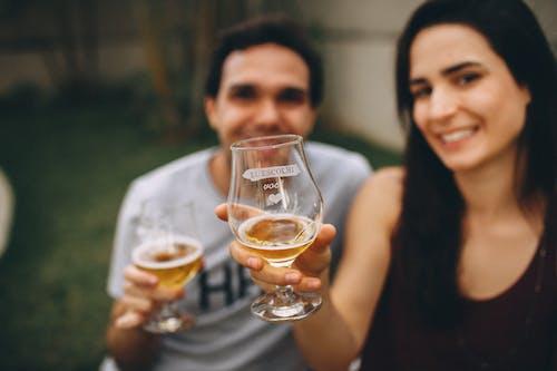 Základová fotografie zdarma na téma drinky, lidé, makro