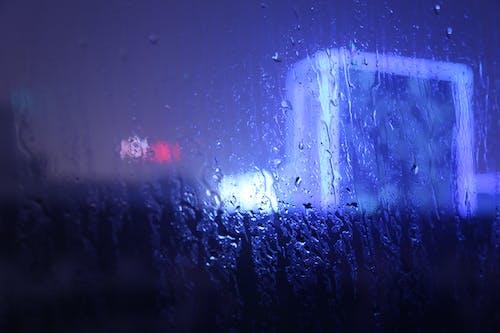 Foto profissional grátis de chuva, copo, janela
