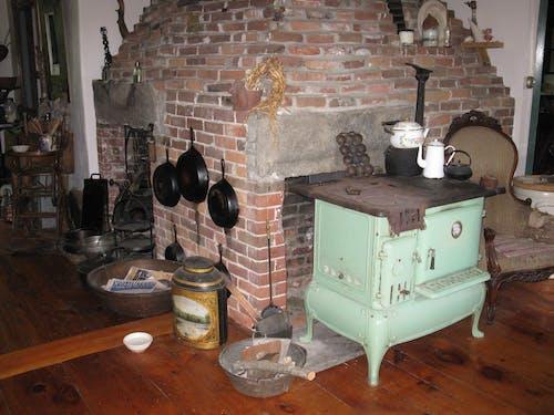 Free stock photo of farm house, iron skillet, kitchen