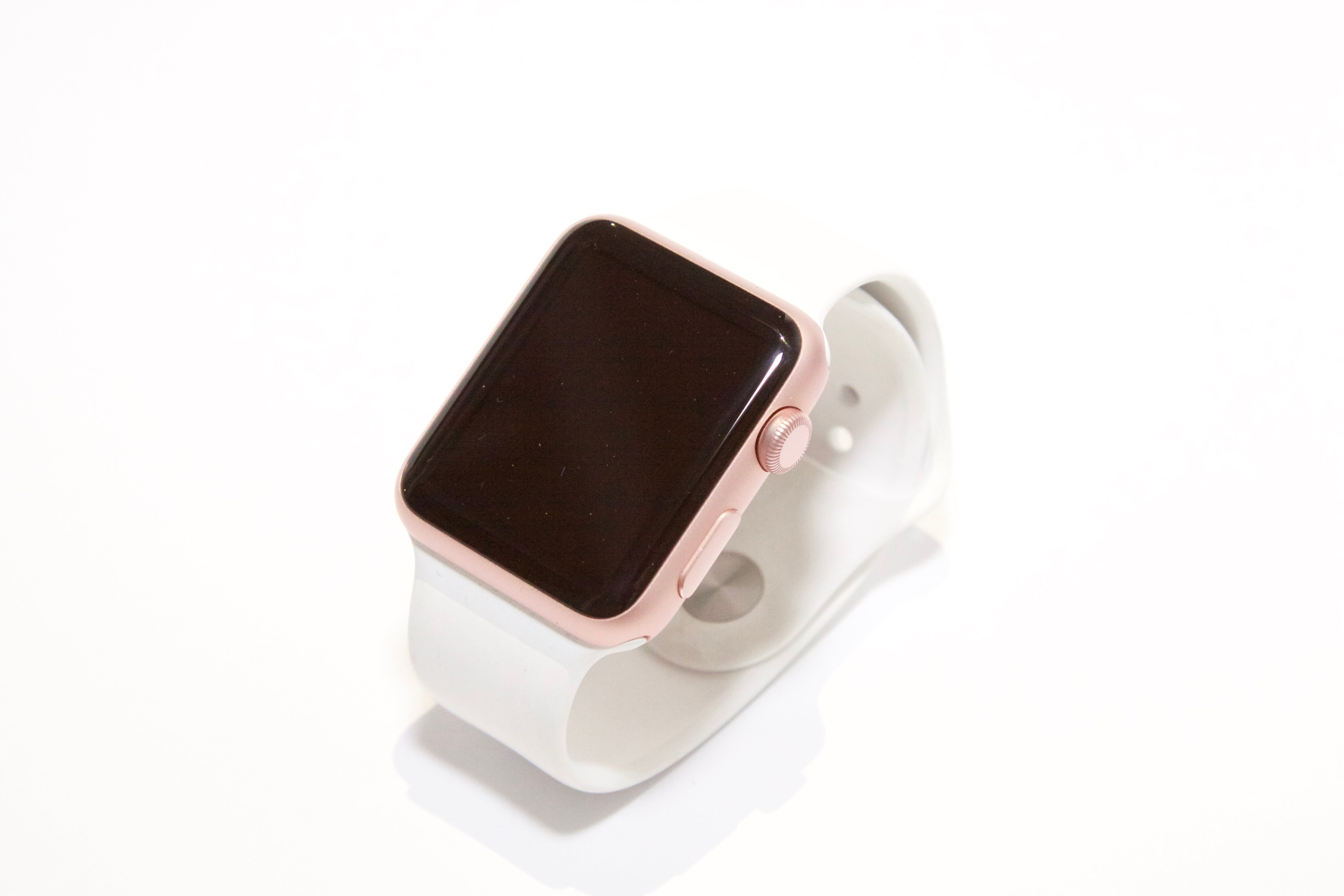 Rose Gold Aluminum Case Apple Watch With White Sports Band