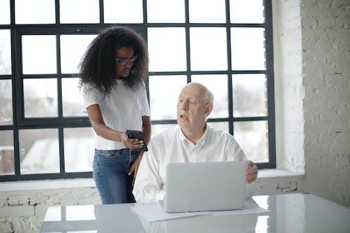 Imagine de stoc gratuită din afro-american, angajat, aparat, apropiere