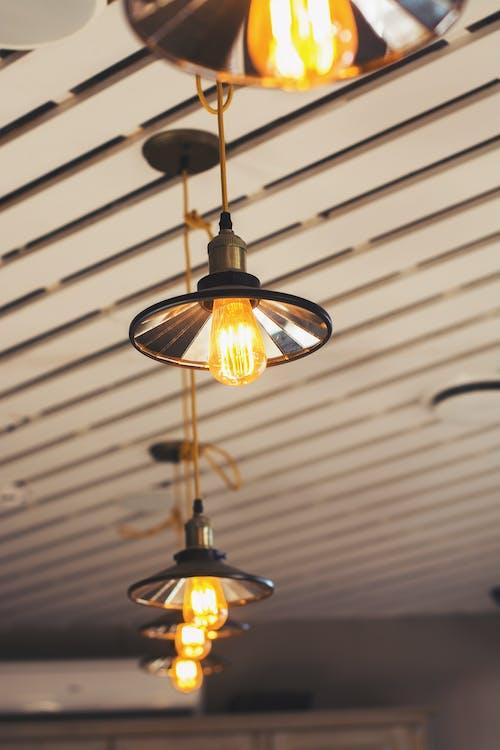 Fotos de stock gratuitas de adentro, arquitectura, bombillas