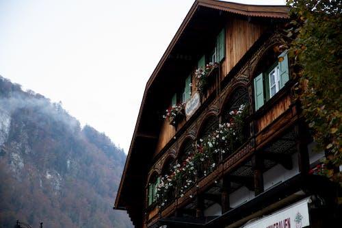 Gratis lagerfoto af aftale, arkitektur, bakke, balkon