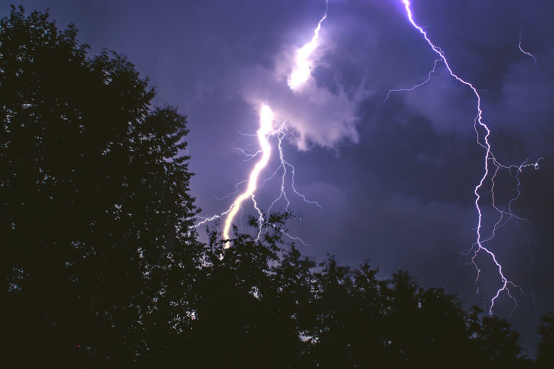 Danger & Environnement : quels sont les risques liés à la foudre ?