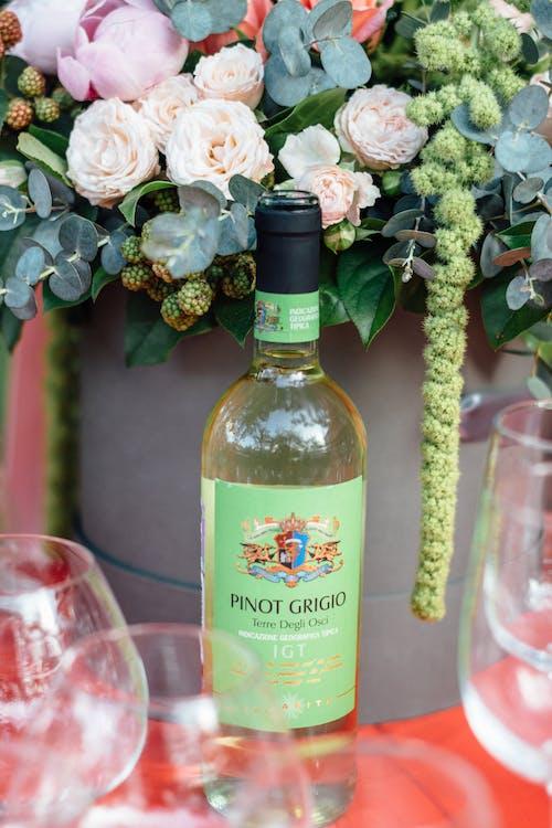 Ingyenes stockfotó alkohol, alkoholos ital, bor, borosüveg témában