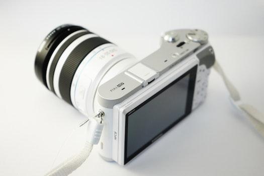 Kostenloses Stock Foto zu kamera, fotografie, technologie, weiß